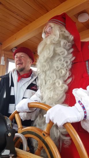 joulupukki-ja-jahtin-kapteeni-olli-ahonen.jpg