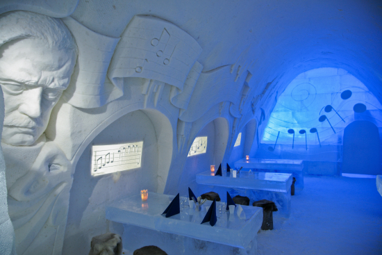 snowrestaurant-with-sibelius-decoration.jpg