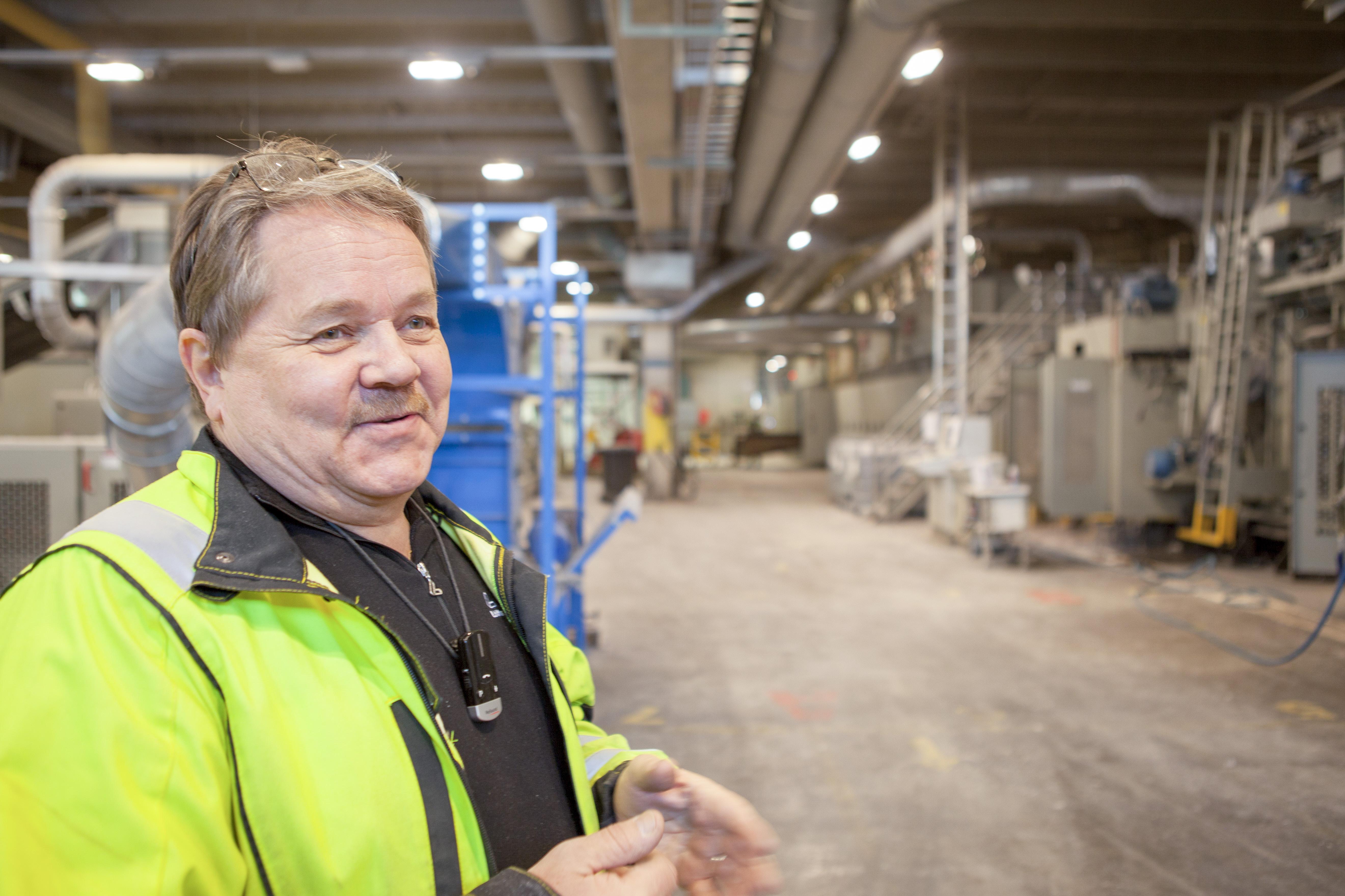Arto Kokkoniemi kertoo, että hukkalämpöjen talteenottojärjestelmän valintaa helpotti riskittömyys.