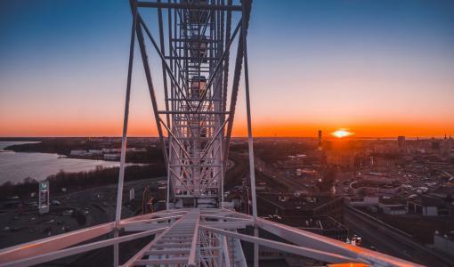 Tallinnan uusi maamerkki Skywheel kutsuu nauttimaan panoraamanäkymästä – Euroopan ensimmäinen katolle rakennettu maailmanpyörä