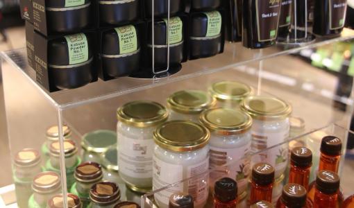 Luomu tuli Espooseen: Ruohonjuuri Ison-Omenan uuden myymälän avajaiset