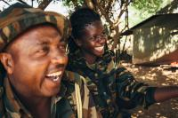 doreen-adongo-kenian-wildlife-servicen-metsanvartija-tauolla-kollegansa-stanley-irungun-kanssa-nairobin-kansallispuistossa-cjonathan-caramanus-green-renaissance.jpg