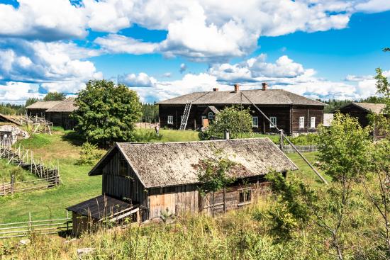 riuttala-farmhouse-museum.jpg