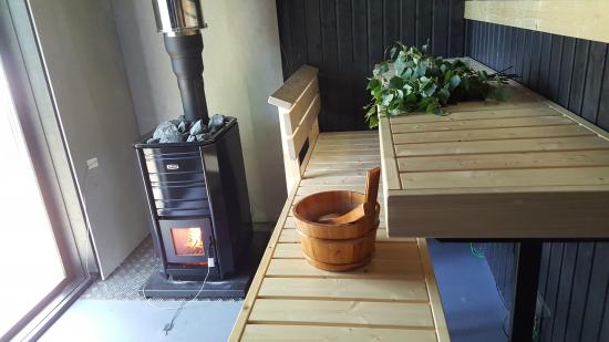2.-koesauna_tissari_loylynhenki-palkinto_saunaseura.jpg