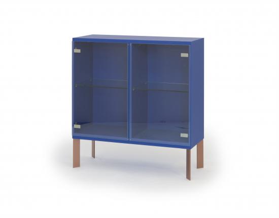 mup-vitriini-ultramariinin-sinisella-cc-88-rungolla-ja-kuparinva-cc-88risilla-cc-88-viistojaloilla.-e2-80-a8l-104-k-1105-s-39-cm.jpg