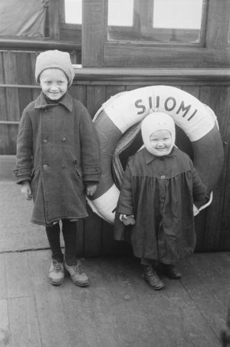inkerilaiset-siirrettiin-suomi-nimisella-laivalla-suomeen-1943_antti-hamalainen-mv-kuvakokoelmat_suk530_1848_1.jpg