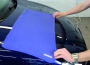 Laadukas kuivausliina on hellävarainen auton maalipinnalle