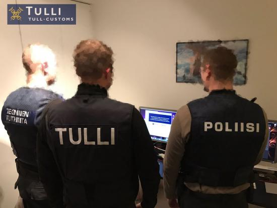 tulli_kuva_6_-tullin_ja_poliisin_yhteistyokuva.jpg