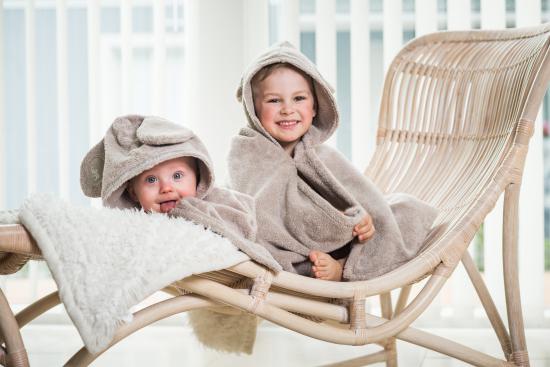 baby-cape-towel-sand.jpg
