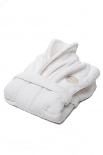 kids-bathrobe-snow.jpg