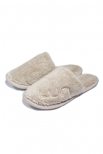kids-slippers-sand2.jpg