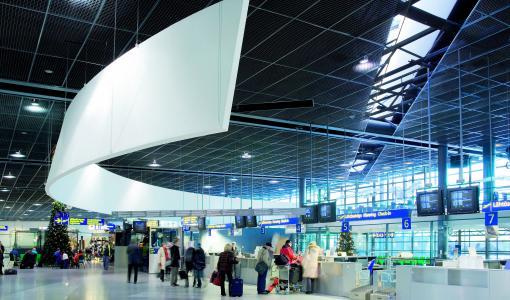 Rovaniemi saa taas uuden lentoyhteyden - Nyt kentälle laskeutuu easyJet