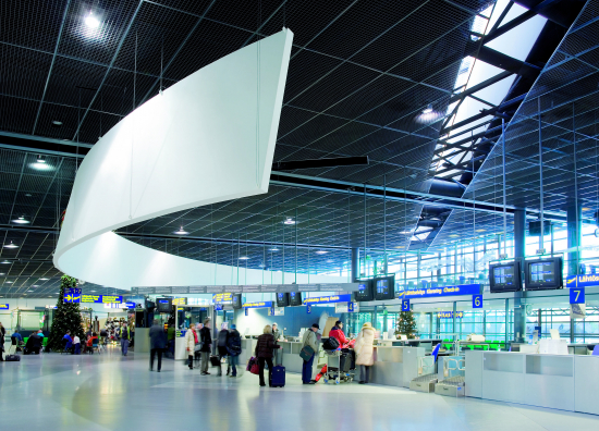 rovaniemi-airport-2.jpg