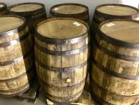 bourbon-tynnyreita-odottamassa-tayttoa.jpg