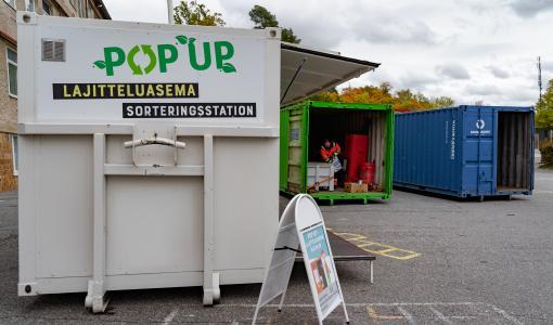Pop up-sorteringsstationen vid Auraås strand