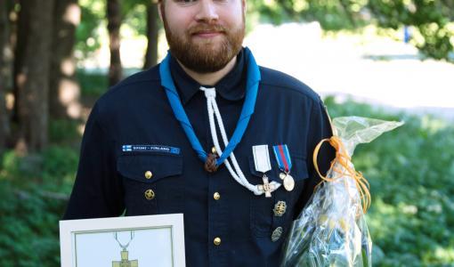Jukka Koskelaiselle partiolaisten sankarimerkki ihmisen pelastamisesta