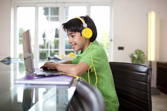 lapsi-ja-tietokone.jpg