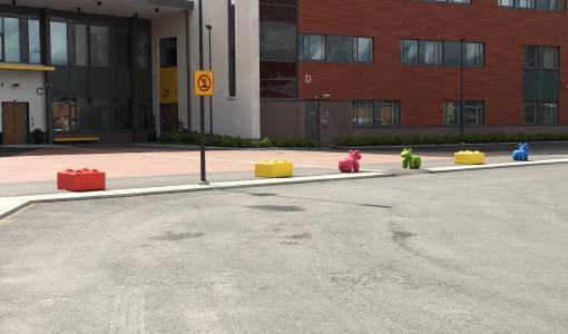 HB-Betoniteollisuuden Ekoblokki on kierrätysbetonista tehty, uudenlainen liikenne-este