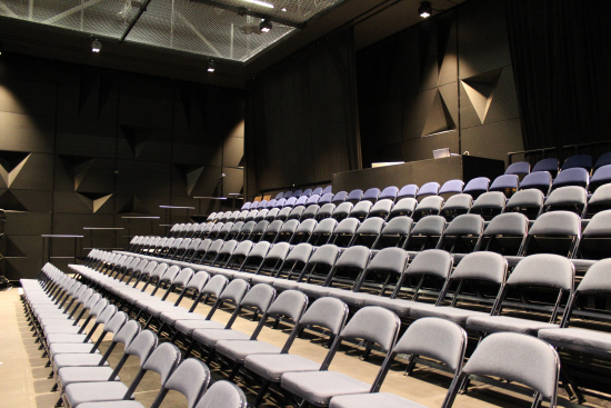 kaupunginteatterin-pieni-nayttamo_kuva-minna-kivisto.jpg