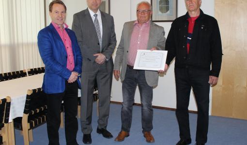 Pursiseuralle 2000 euron tunnustus