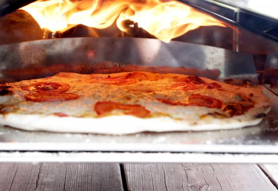 tulella-paistettu-pizza.jpg