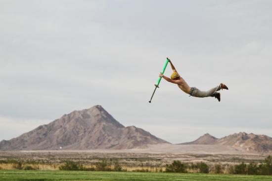 hyppykeppi-kiinnostaa-paitsi-treenajia-myos-extreme-urheilijoita..jpg