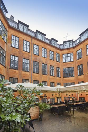 uma-vestergade-courtyard.jpg