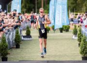 Goesch ja Söderström triathlonin puolimatkan Suomen mestareiksi Joroisissa