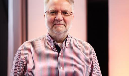 Suomalainen Bernd Schwenson Euroopan optometrian akatemian presidentiksi