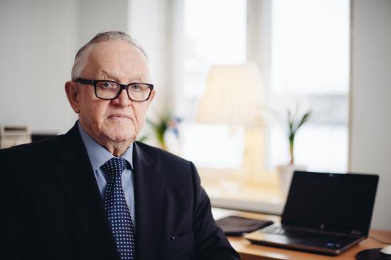 martti_ahtisaari_2015_tomas-whitehouse_cmi.jpg
