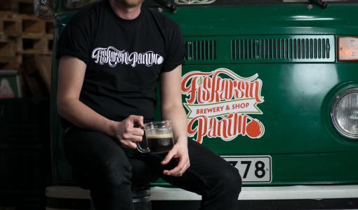 Fiskarin Panimolle brittiläinen palkittu pääpanija kehittämään oluita ja prosesseja.
