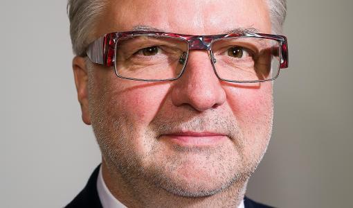 Euroopan optometrian akatemialta kunnianosoitus Suomeen